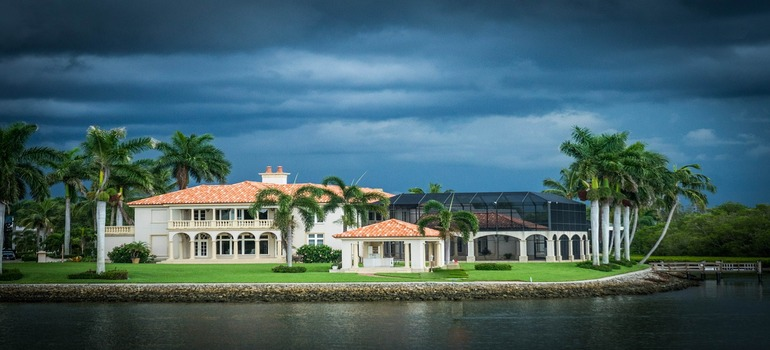 moving to Plantation with a ville