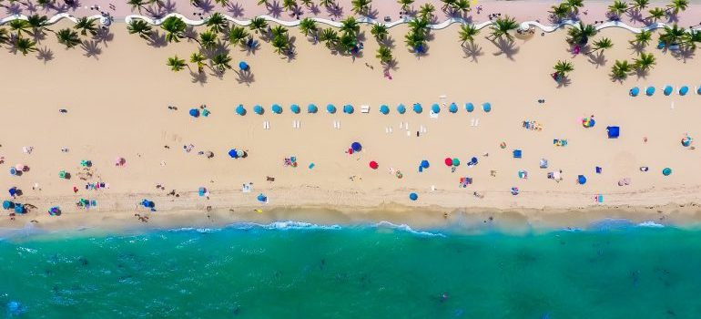 Beach - Buying a house in Fort Lauderdale