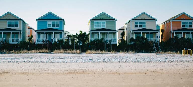 five houses on the beach