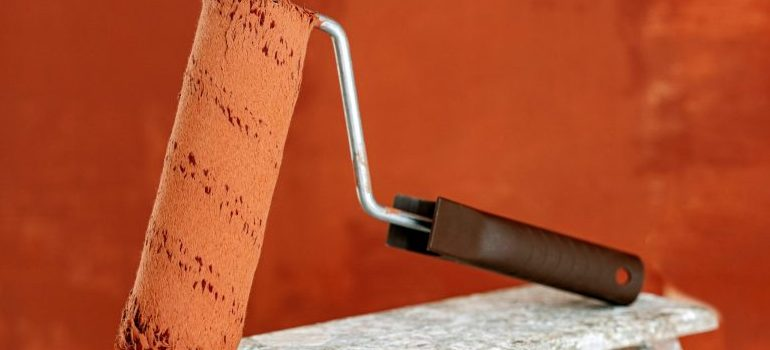 a hand tool for painting